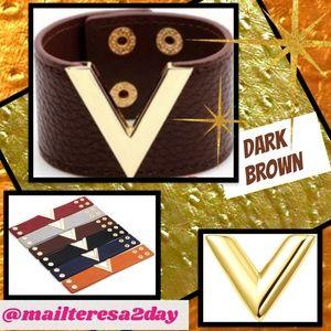 NEW Wide Metal 'V' Leather Wristband Cuff Bracelet